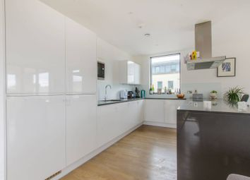 Thumbnail 3 bed flat to rent in Bardsley Lane, Greenwich