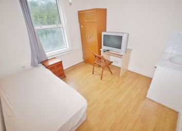 Thumbnail Room to rent in Brighton Road, South Croydon