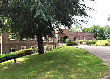Treetops, The Mount, Reading, Berkshire RG4. 2 bed flat