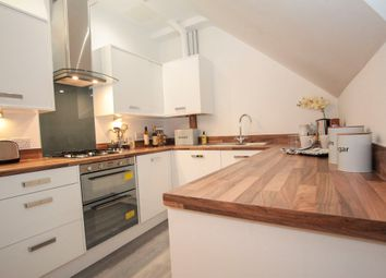 Thumbnail 2 bed flat for sale in Lower Luton Road, Harpenden, Herts