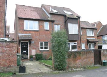 Thumbnail 2 bed detached house to rent in 17 Rooks Lane, Thame, Oxfordshire