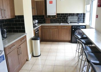 5 bed shared accommodation to rent in Weaste Road, Salford M5