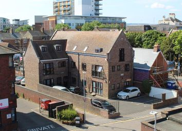 Thumbnail 2 bed flat to rent in Hill Street, Poole