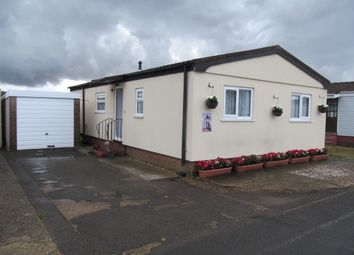 Thumbnail 2 bed mobile/park home for sale in Odds Farm Park (Ref 5981), Wooburn Green, High Wycombe, Buckinghamshire