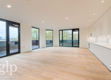 Thumbnail 3 bedroom penthouse to rent in Spa Green Estate, Rosebery Avenue, London