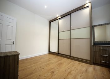 Thumbnail 3 bed flat to rent in Park Road, Hendon