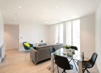 2 bed flat to rent in Pressing Lane, Hayes UB3