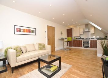 Thumbnail 2 bed flat to rent in Holmesdale Road, Reigate