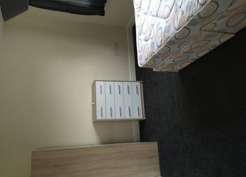 Thumbnail Room to rent in Queensway, Normanton