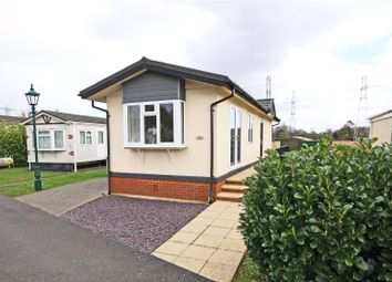 2 bed mobile/park home for sale in New Site, Meadowlands, Addlestone, Surrey KT15