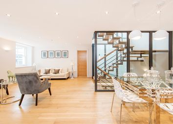 Thumbnail 3 bedroom town house to rent in Brewhouse Yard, London