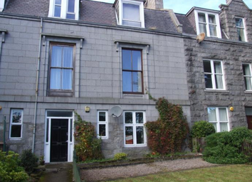 Thumbnail 2 bedroom flat to rent in Kings Crescent, Aberdeen