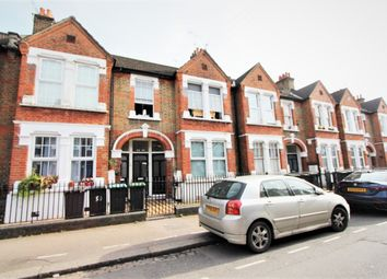 Grove Road, London N15. 2 bed flat for sale