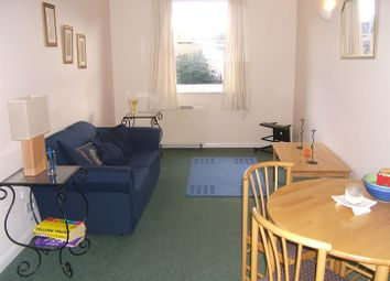 Thumbnail 1 bedroom flat to rent in Thames Circle, London