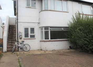 Thumbnail 1 bed flat to rent in Canterbury Avenue, Slough