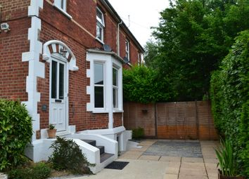 Thumbnail 2 bed flat to rent in Earlswood Road, Redhill