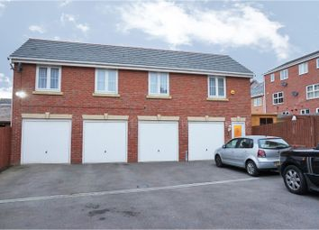 Thumbnail 2 bedroom flat for sale in Woodside View, Leeds