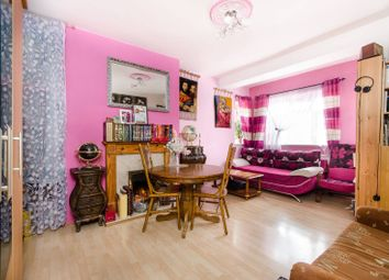 Thumbnail 3 bed flat for sale in Poynders Gardens, Clapham