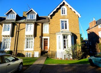 Thumbnail 1 bed flat to rent in 33 Upton Park, Slough, Berkshire