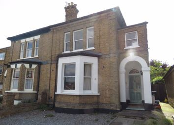 Thumbnail 2 bed flat to rent in Princes Road, Buckhurst Hill