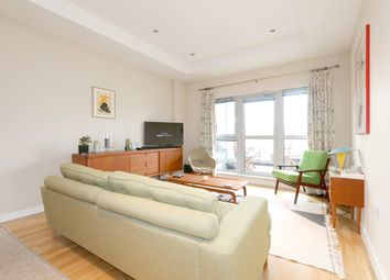 Thumbnail 2 bed flat to rent in Southgate Road, De Beauvoir, London