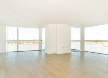 Thumbnail 2 bed flat to rent in River Gardens Walk, Greenwich, London