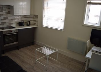 Thumbnail 1 bed flat to rent in Matlock Road, Brighton
