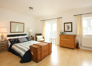 Thumbnail 3 bed town house to rent in Penarth Portway, Penarth