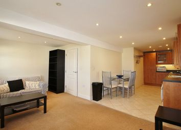 2 bed flat to rent in Fairmount Road, Cheltenham GL51