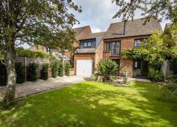 West Chiltern, Woodcote, Reading RG8. 4 bed detached house