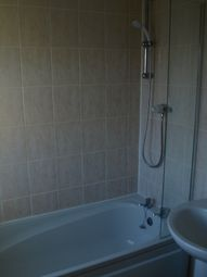 Thumbnail 2 bed cottage to rent in Hitchin Street, Biggleswade