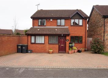 Thumbnail 4 bedroom detached house for sale in Copthorne, Luton