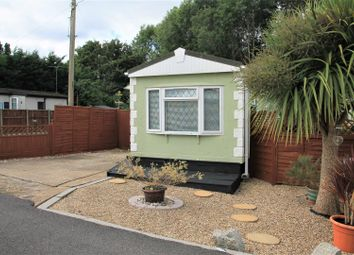 Hawthorne Avenue, Cranbourne Hall, Winkfield, Windsor SL4. 2 bed mobile/park home