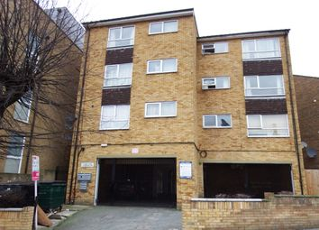 Thumbnail 1 bed flat to rent in Oakfield Road, West Croydon