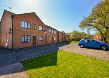 2 bed flat to rent in Queens Court, Madeley, Telford TF7
