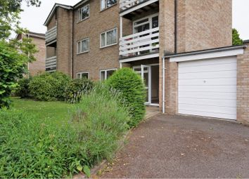 Thumbnail 2 bed flat for sale in Hernes Close, Oxford