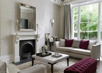 Thumbnail 2 bed flat to rent in Kensington Gardens, London