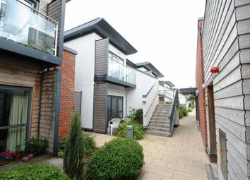 Thumbnail 2 bed flat to rent in Park Way, Newbury