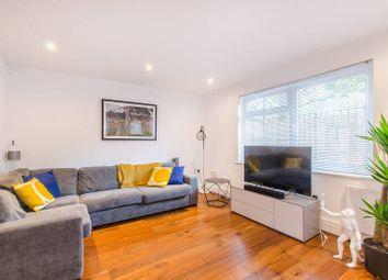 Saltwell Street, Poplar, London E14. 1 bed flat