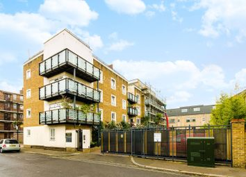 Thumbnail 2 bed flat to rent in Spectrum Place, Elephant And Castle