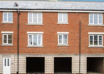 Thumbnail 2 bed flat to rent in Ladbrooke Road, Great Yarmouth