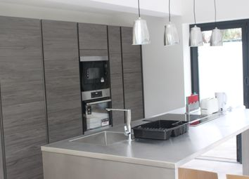Thumbnail 5 bed shared accommodation to rent in The Roundway, Tottenham, London
