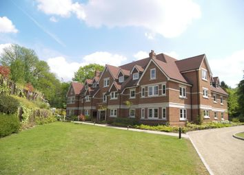Thumbnail 2 bedroom flat to rent in Lakewood House, Portsmouth Road, Esher