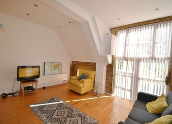 Thumbnail 1 bed maisonette to rent in Bloomfield Road, Woolwich - Plumstead