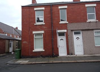 Thumbnail 2 bedroom flat to rent in Croft Road, Blyth