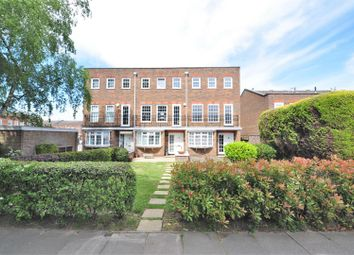 4 bed end terrace house for sale in Crook Log, Bexleyheath DA6