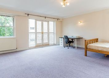 Thumbnail 3 bed flat to rent in York Way, London