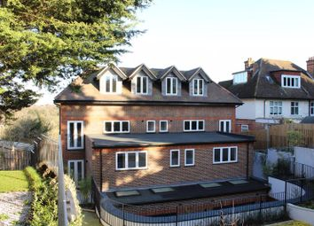 Thumbnail 3 bed flat to rent in Riddlesdown Road, Purley