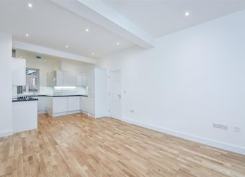 4 bed flat to rent in High Street, Watford WD17