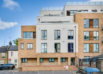 Thumbnail 2 bed flat to rent in 21 Eltringham Street, Wandsworth